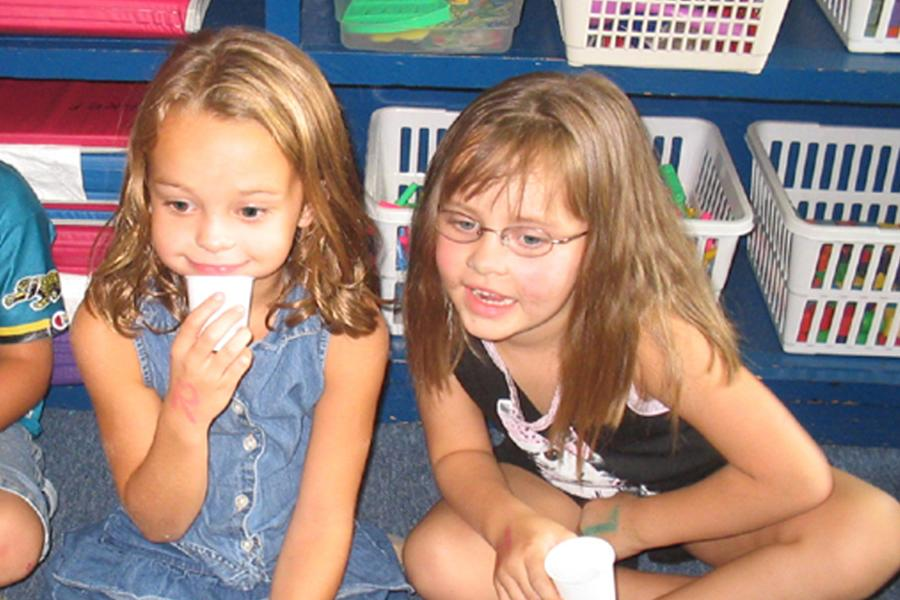Current sophomores Heather Sipes and Cadyn Qualls in kindergarten.