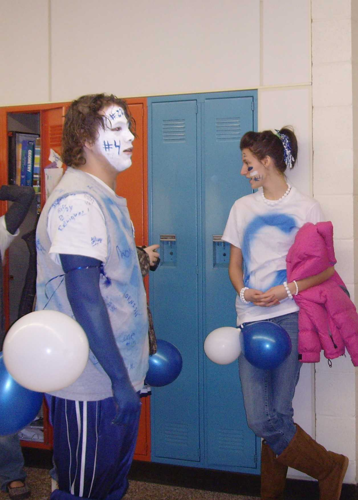 DJ Reed and Rhonda Garrett linger in the halls during Homecoming Week.