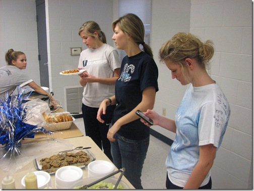 Juniors raise prom funds with spaghetti supper