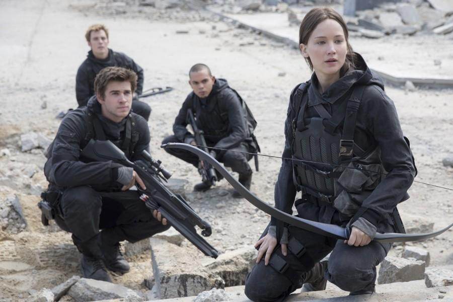 Liam Hemsworth, Sam Claflin, Evan Ross and Jennifer Lawrence in